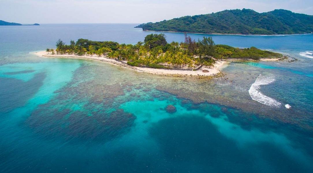частный остров Ламбей-Кей, Карибский бассейн
